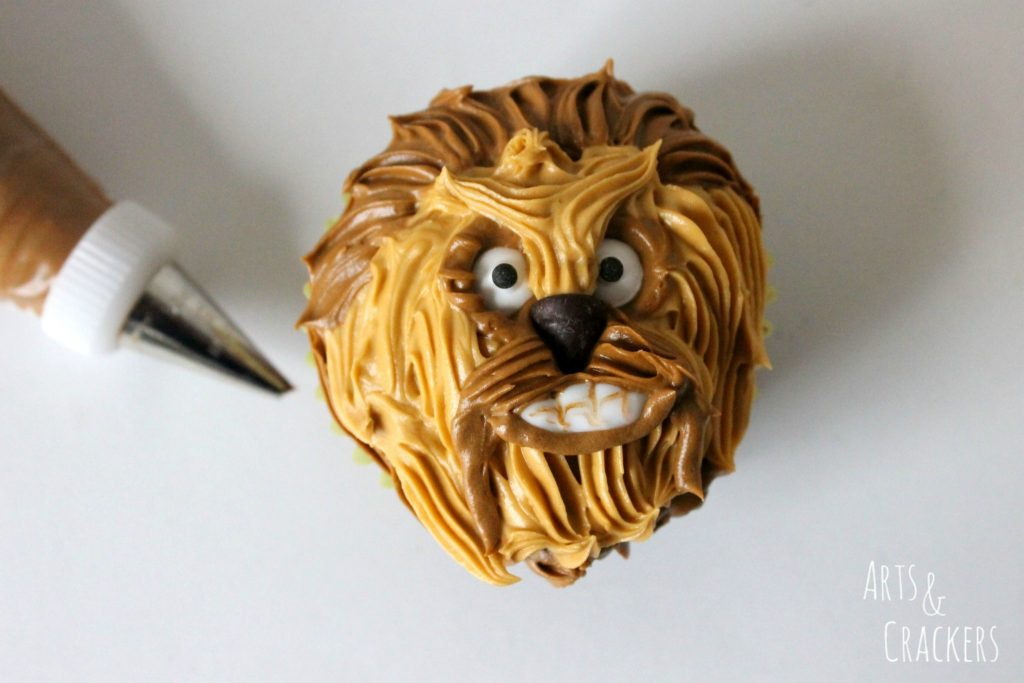 Chewbacca cupcake tutorial with buttercream icing