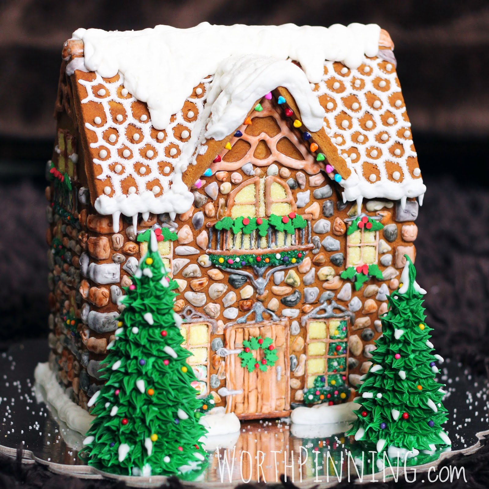 10 Gingerbread Houses For National Gingerbread House Day