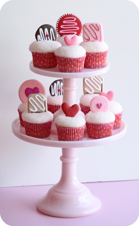 royal icing valentine's day cupcake toppers