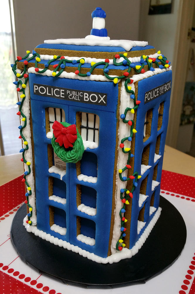 Christmas gingerbread tardis from Doctor Who