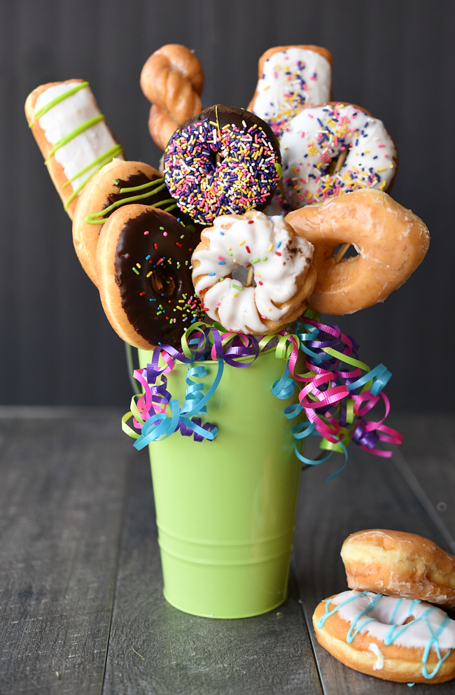 Doughnut bouquet tutorial